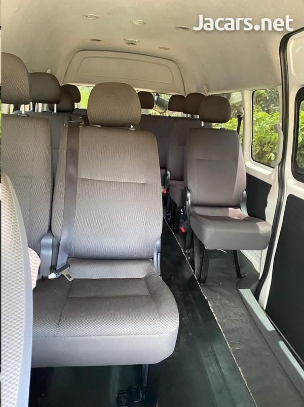Toyota Hiace 2,2L 2014-3