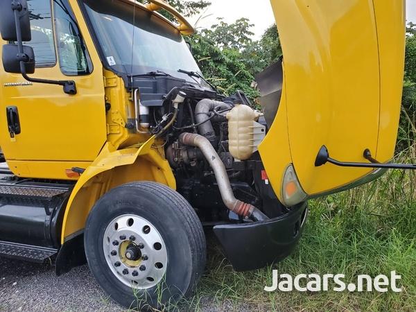2006 International 8600 Truck-3