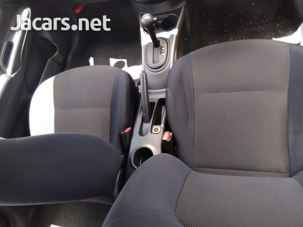 Nissan Latio 1,2L 2012-5