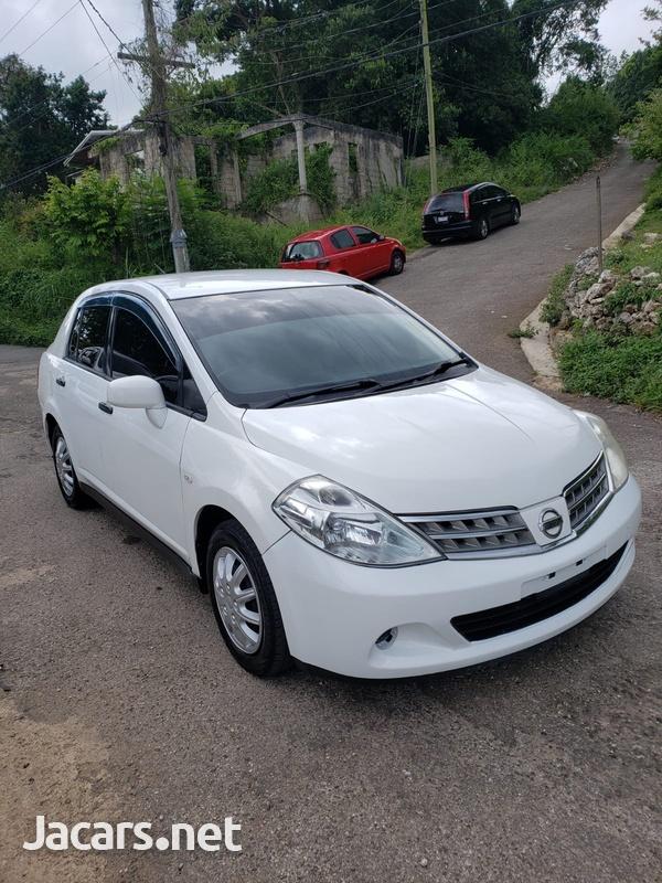 Nissan Tiida 1,8L 2010-1