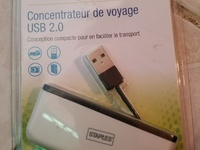 STAPLES USB 2.0 TRAVEL HUB
