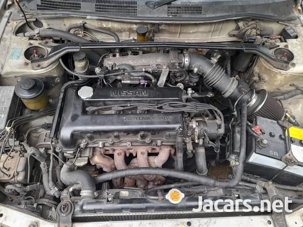 Nissan Primera 2,0L 1997-6