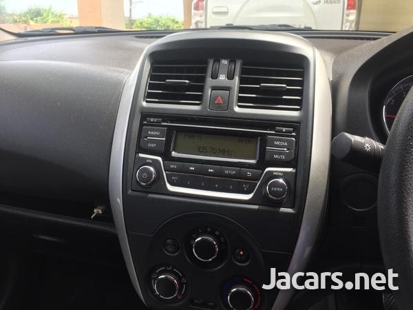Nissan Versa 1,6L 2015-2