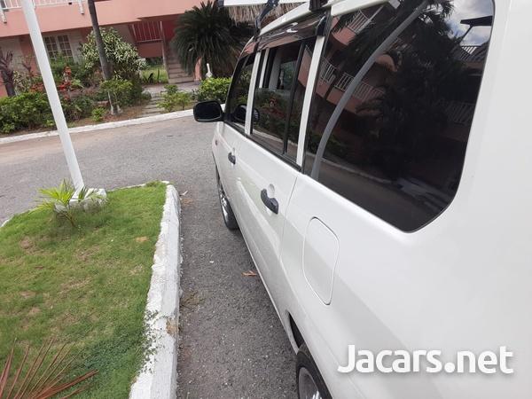 Toyota Probox 1,5L 2014-12