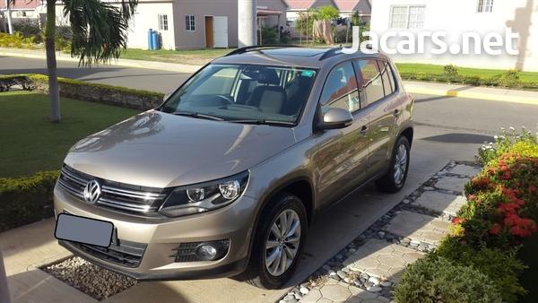 Volkswagen Tiguan 2,0L 2012-1