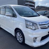 Toyota Noah 1,8L 2012