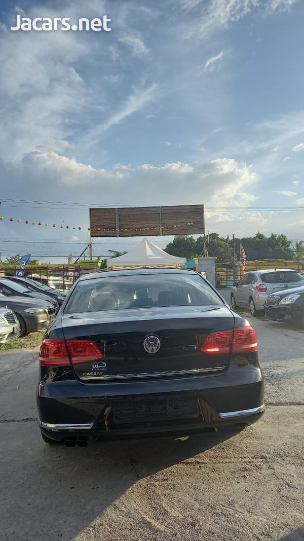 Volkswagen Passat 2,0L 2014-6