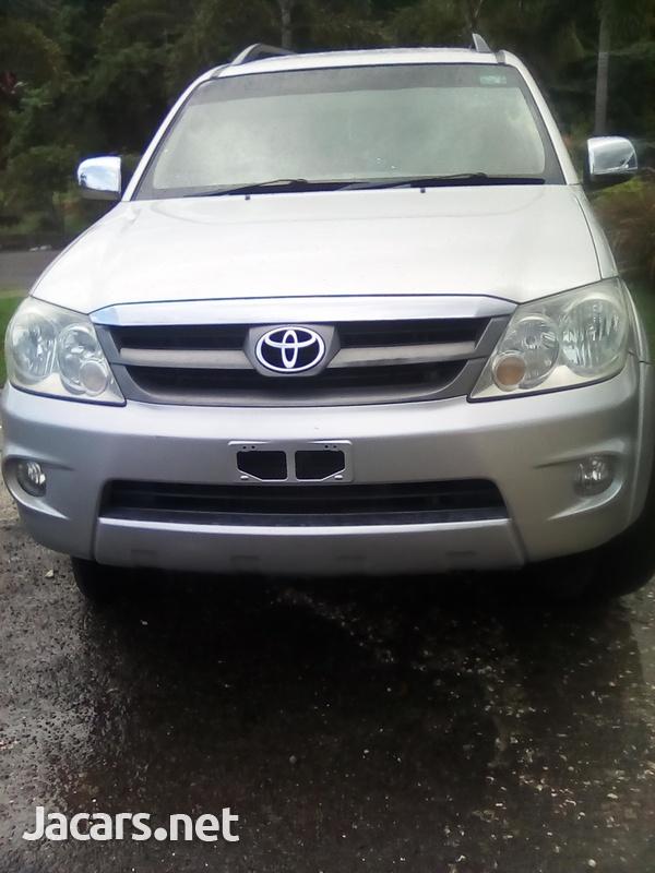 Toyota Fortuner 2,7L 2007-1