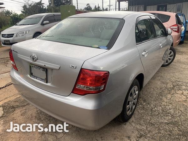Toyota Axio 1,5L 2010-5