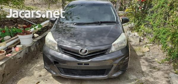 Toyota Vitz 1,3L 2012-3
