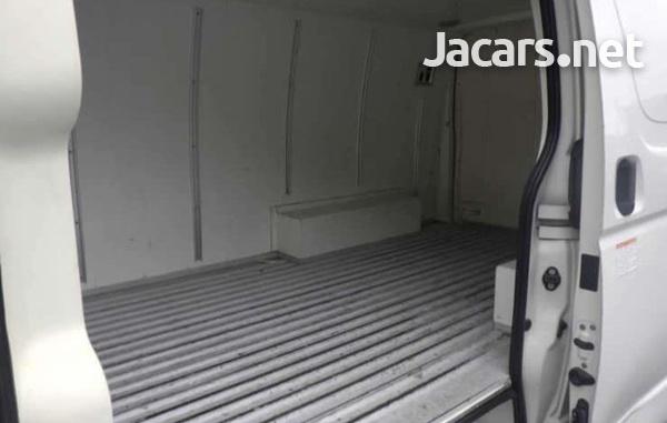 2015 Toyota Hiace van freezer-1