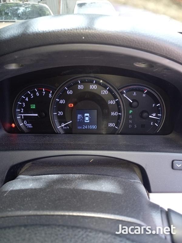 Toyota Crown 3,0L 2012-7