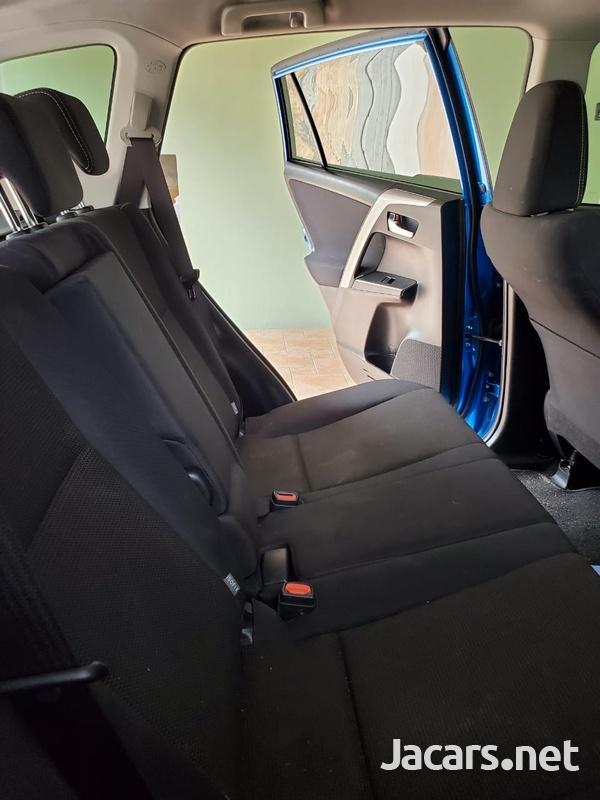 Toyota RAV4 2,0L 2019-12