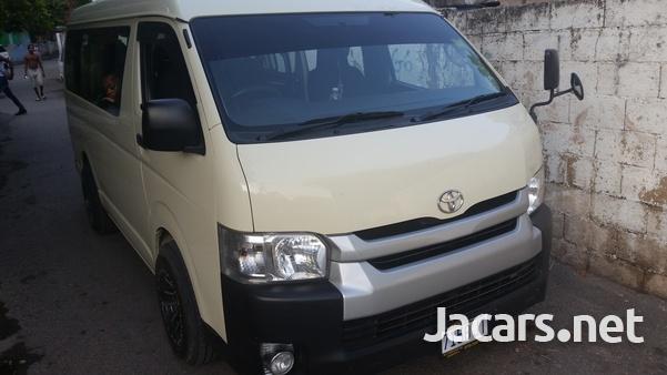 Toyota Hiace 2014-3