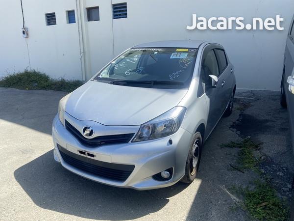 Toyota Vitz 1,3L 2012-1