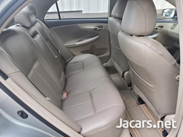 Toyota Corolla Altis 1,6L 2013-10