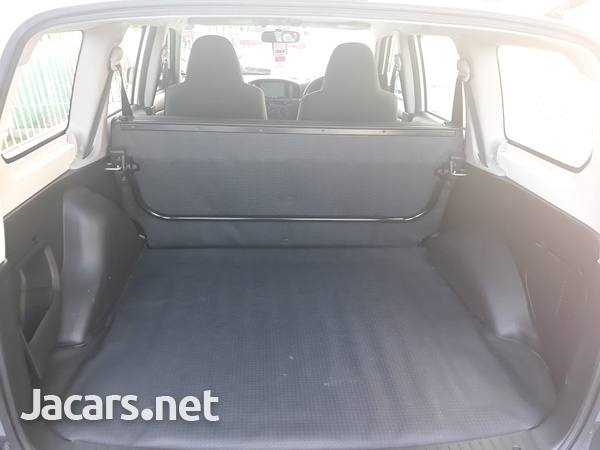 Toyota Probox 1,3L 2013-3