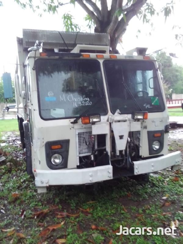 2009 Mack Leu Garbage Truck-1