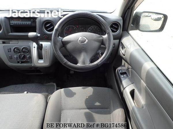 Nissan Caravan 2,5L 2014-8