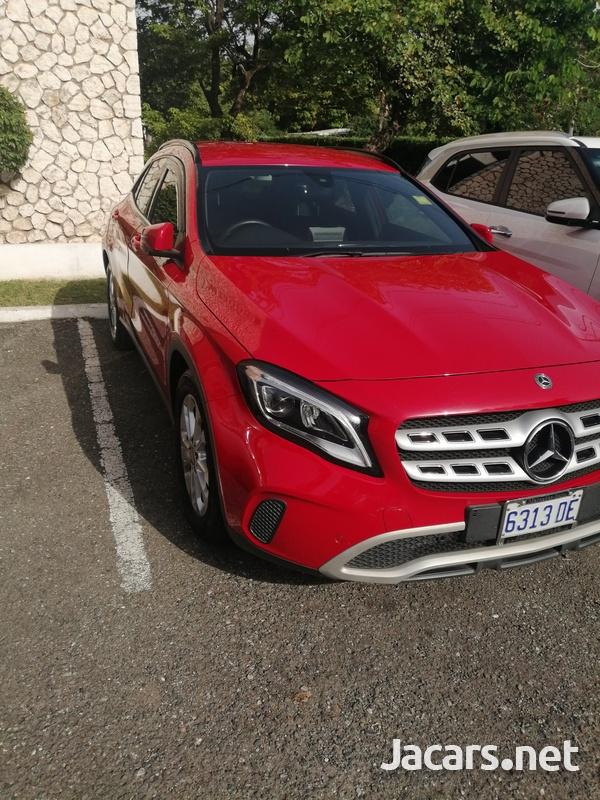 Mercedes-Benz GLA-Class 2,0L 2018-2