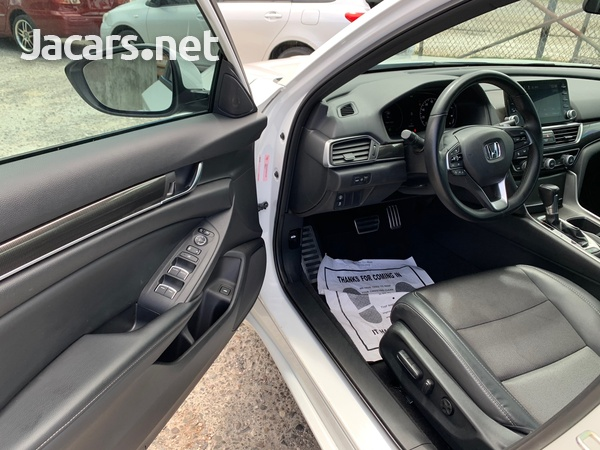 Honda Accord 1,5L 2018-7