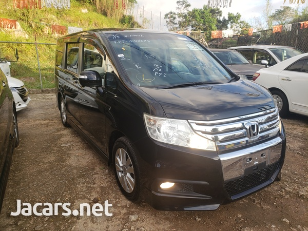 Honda Step wagon 2,0L 2011-7