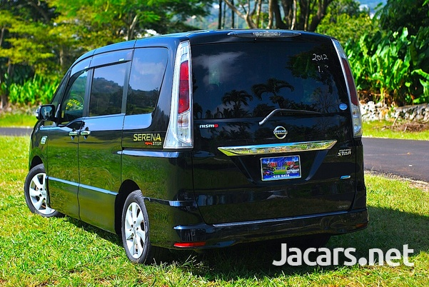 Nissan Serena 2,0L 2012-2