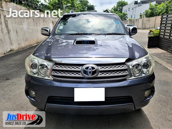 Toyota Fortuner 3,0L 2010-2