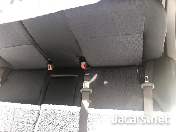 Toyota Allion 1,5L 2010-8