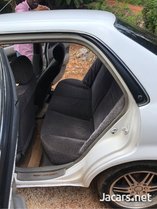 Toyota Corolla 1,5L 1999-7