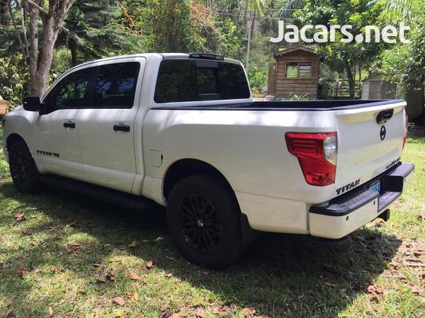 Nissan Titan 5,6L 2019-3