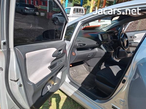 Toyota Wish 1,8L 2013-7