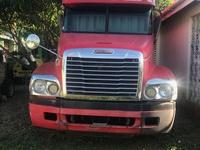 2000 Detroit Deisel Freightliner