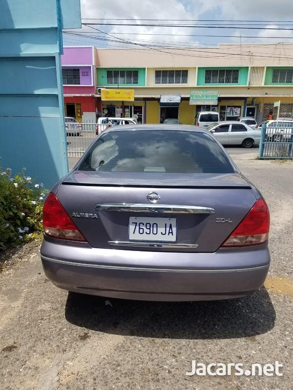 Nissan Almera 1,6L 2004-3