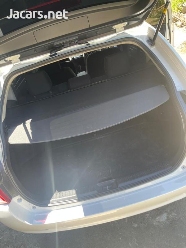 Toyota Fielder 1,8L 2012-8