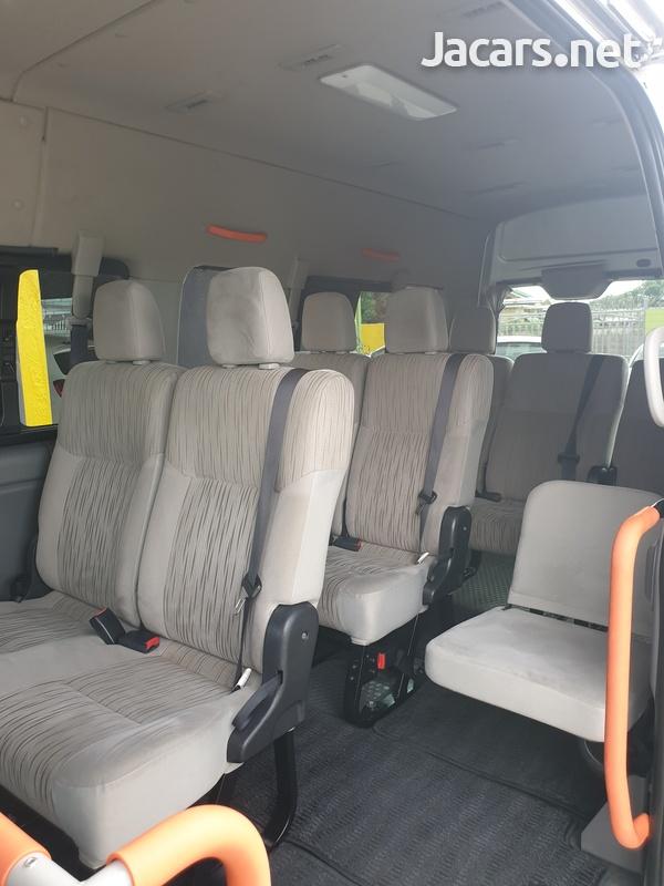 2014 Nissan caravan-2