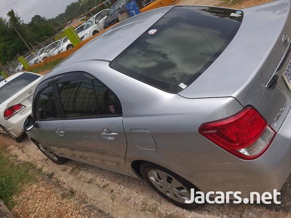 Toyota Axio 1,6L 2014-3