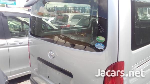 2016 Toyota Hiace Bus-3
