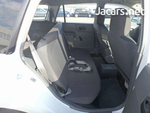 Nissan AD Wagon 1,5L 2013-5