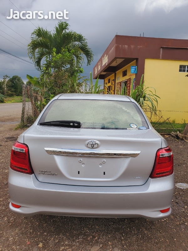 Toyota Axio 1,6L 2010-3