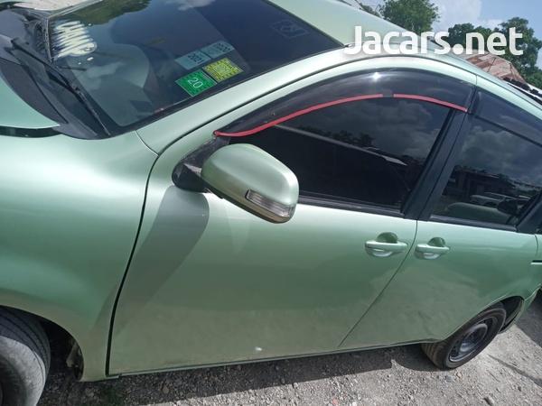 Toyota Sienta 1,5L 2013-1