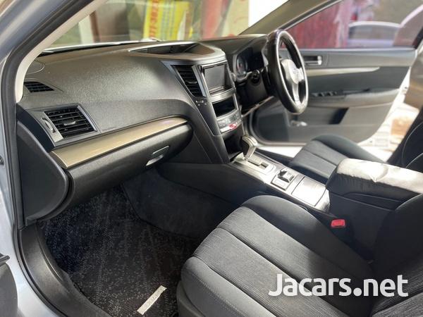 Subaru Legacy 2,5L 2014-9