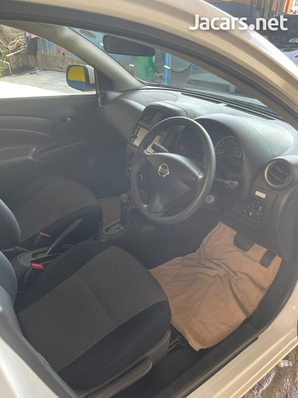 Nissan Latio 1,2L 2017-6