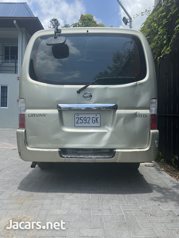 2011 Nissan Urvan Panel Van-4