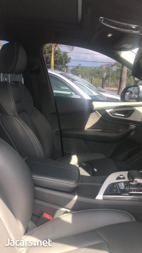 Audi Q7 3,0L 2018-8