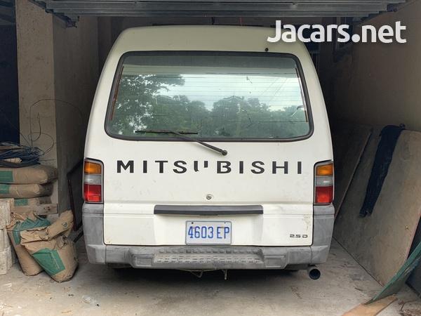2008 Mitsubishi L300 Panel Van-2