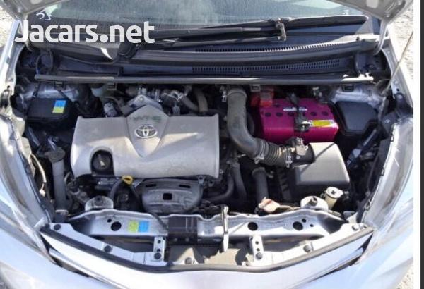 Toyota Vitz 1,3L 2015-6