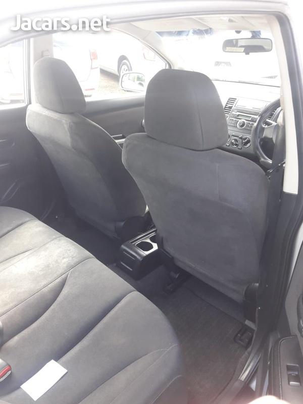 Nissan Tiida 1,8L 2008-8