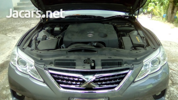 Toyota Mark X 6,0L 2010-4
