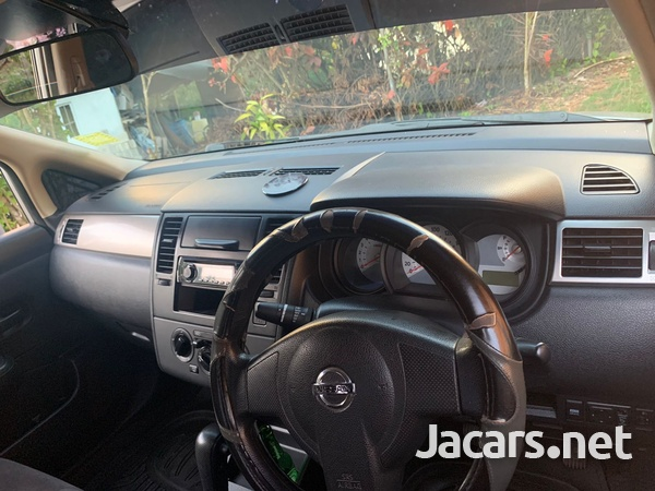 Nissan Tiida 1,5L 2013-9